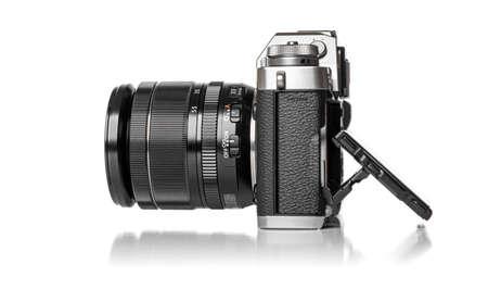 The Fujifilm X-T3 on white background. 新聞圖片