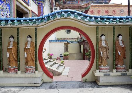 Buddha Statues, Kek Lok Si Temple , Penang, Malaysia  Stock Photo - 12717250