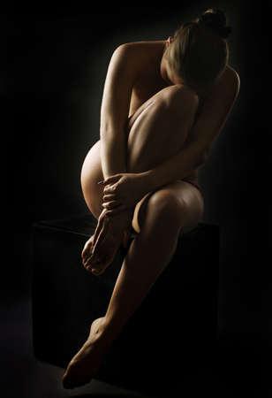 mujeres negras desnudas: el cuerpo desnudo de la joven mujer sexy