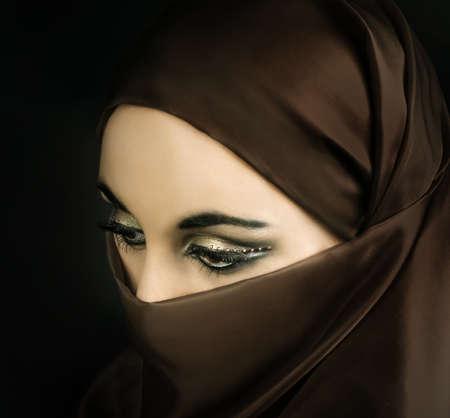 若いイスラム教徒の少女の肖像画