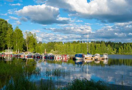 Финляндия: Лодки на озере в Ювяскюля, Финляндия