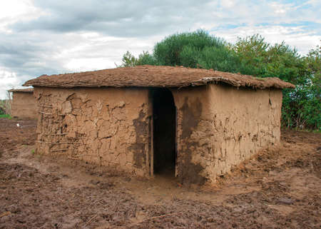 nomadic: Traditional maasai  mud hut,  Kenya  Stock Photo