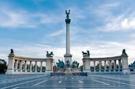 ブダペスト、ハンガリーの英雄広場 写真素材