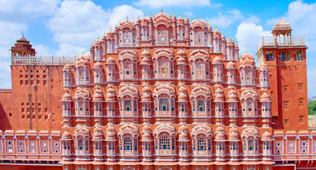 ジャイプール、ラージャス ターン州、インドのハワー ・ マハル宮殿 (風の宮殿)
