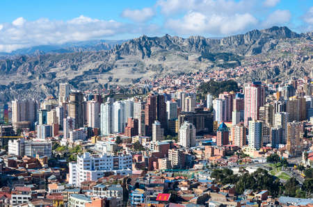 LA PAZ, BOLIVIA - APR 05, 2015: Cityscape of La Paz in Bolivia Archivio Fotografico
