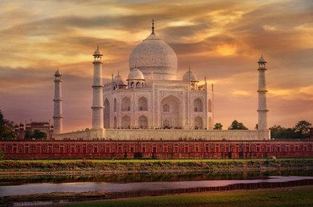 Taj Mahal in Agra, Uttar Pradesh, India Éditoriale