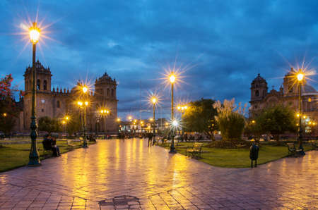 iglesia de la compania: CUSCO, PERU-MARCH 18, 2015: Plaza De Armas and Cathedral of Santo Domingo and Iglesia de la Compania in Cusco, Peru Editorial