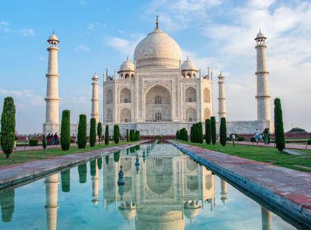 Taj Mahal in Agra, Uttar Pradesh, India Standard-Bild