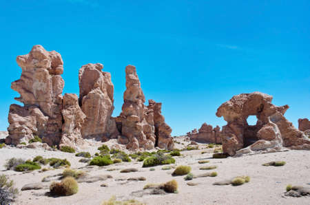 rock formation: Rock formation at Altiplano, Uyuni, Bolivia