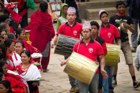 nepali: BHAKTAPUR, NEPAL - APR 05: Unidentified musicians performing live music on the street on Apr 05, 2014 in Bhaktapur, Nepal. Editorial