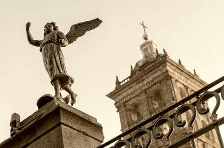 casa colonial: Detalle de la Catedral de Puebla en Puebla, México Foto de archivo