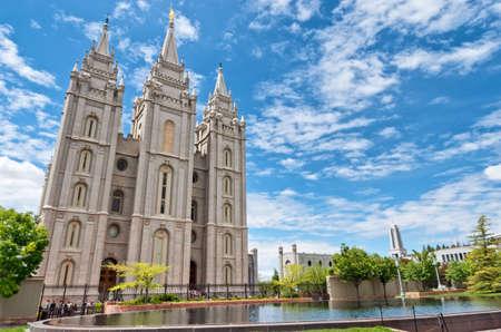 Salt Lake City, États-Unis: Le temple de Salt Lake est un temple de l'Église de Jésus-Christ des Saints des Derniers Jours (Église LDS) à Salt Lake City, dans l'Utah, aux États-Unis. Banque d'images - 91131150