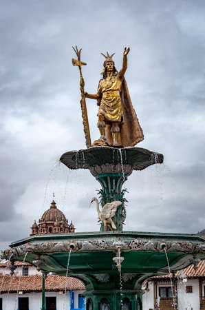 Inca fountain in the Plaza de Armas of Cusco, Peru Imagens
