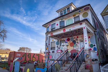 Detroit, Michigan, USA - November 23, 2018: The Heidelberg Project is an outdoor art environment in the heart of an urban area of Detroit. It was created in 1986 by the artist Tyree Guyton 新聞圖片
