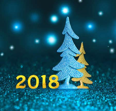 새해. 새로운 2018입니다. 새해 복 많이 받으세요. 파란색 배경에 2018 번호