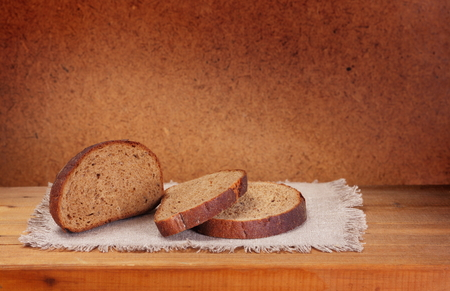 sliced rye bread on napkin
