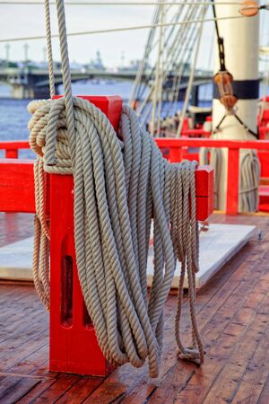 Close up of a rope on a old wooden ship. Details deck of the saiilboat. Stok Fotoğraf
