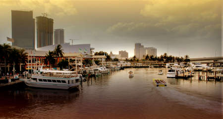key biscane: puesta de sol en la bah�a de Key Biscayne, Miami, Florida  Foto de archivo