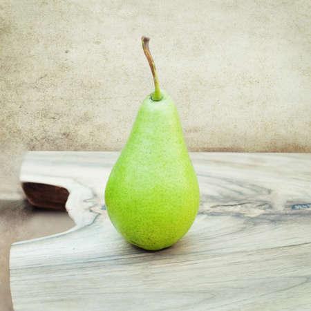 productos naturales: orgánico pera - La comida sana - Productos naturales Foto de archivo