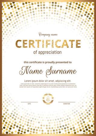 Certificat, Diplôme d'orientation verticale. Imprimé doré, cadre, design haut de gamme de luxe. Modèle élégant pour récompenser les réalisations dans le sport, les affaires, l'obtention du diplôme. Vecteur.