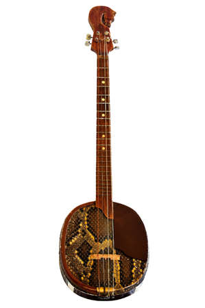 raspy: Chanza (Champs), a three stringed plucked instrument with a flat oval housing - cavity, covered with snake skin, which has a unique, raspy sound. In Buryatia came from Mongolia. Chanza also been subjected to reconstruction - added the fourth string, has d