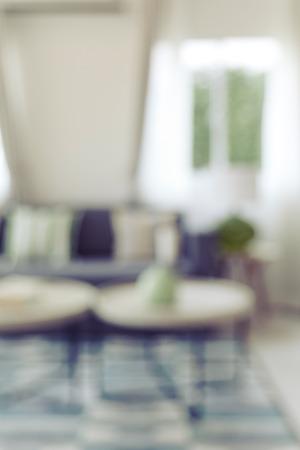 Blur beeld van de moderne woonkamer thuis