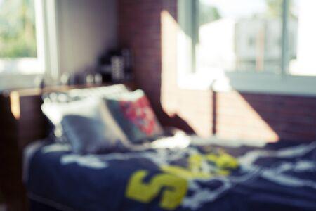 chambre � coucher: image floue de la chambre de gar�on moderne