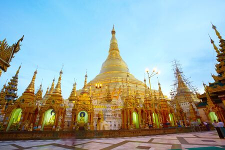 restrict: Shwedagon pagoda in Yangon, Myanmar Burma They are public domain or treasure of Buddhism, no restrict in copy or use