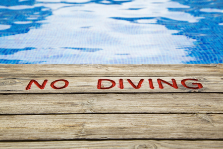 no diving sign: swimming pool, no diving