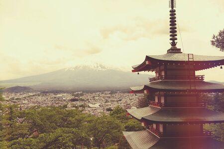 chureito: The Chureito pagoda and Mount Fuji Fujisan in the background Stock Photo