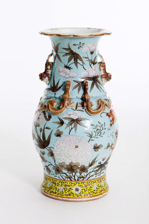 antique vase: Beautiful Chinese antique vase for collector