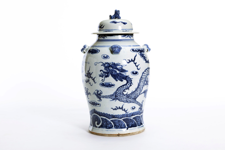 Beautiful Chinese antique vase for collector 免版税图像 - 46085503
