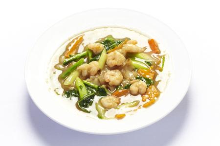 Rad na fry noodle with shrimp on white background Stock Photo