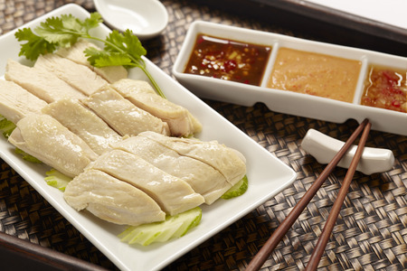 Hainanese Chicken rice with sauce 免版税图像 - 67669884