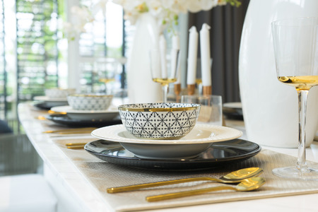napkin ring: Dining Table with Plate Settings