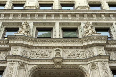 Beautiful Neo Gothic art detail of The Wrigley Building in Chicago, USA Редакционное