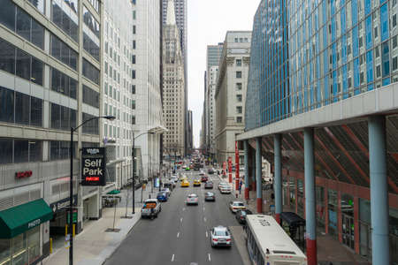Street in the Chicago downtown loop business district, Chicago, IL 新闻类图片