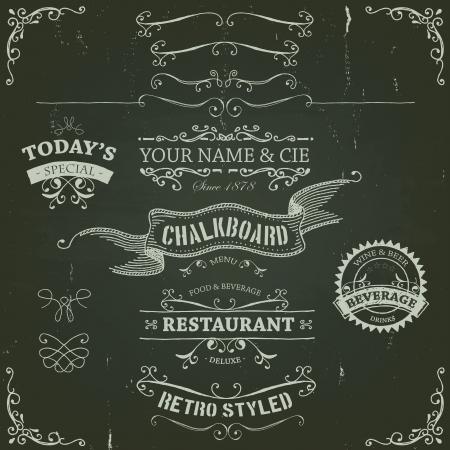 meny: Illustration av en uppsättning handritad skissade banderoller, band för livsmedel, restaurang-och dryckesdesignelement på tavlan bakgrund