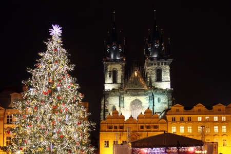 Czech republic - metropolises Prague - Staromestske square with christmas tree Archivio Fotografico