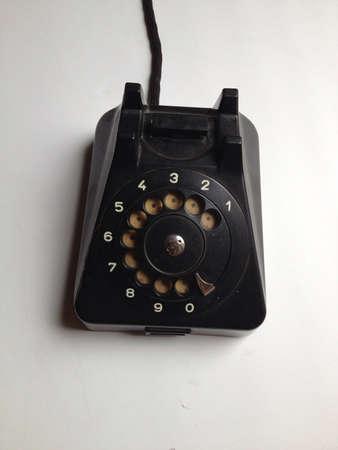 провода: Старый телефон