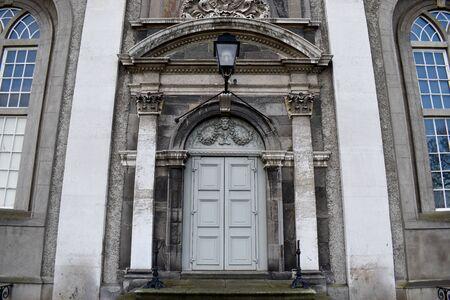 A gothic doorway with intricate stonework detail Reklamní fotografie
