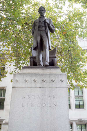 abraham: London, 28th September 2017:-Statue of President Abraham Lincoln in Parliment Square