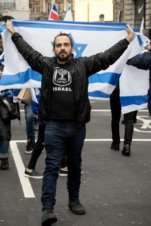 4th November 2017, London, United Kingdom:-Pro Israeli protesters counter demonstrate a pro Palestine rally in central London