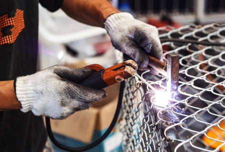 soldadura: Los soldadores de soldadura de metal, Trabajos de soldadura.