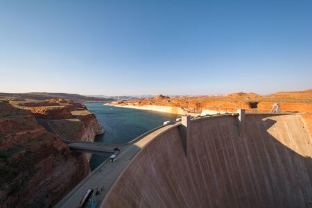 glen: Glen Canyon Dam, Lake Powell