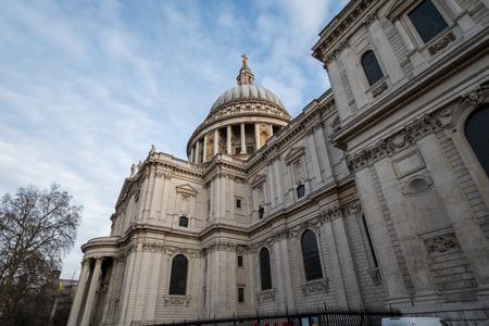 st pauls: St. Pauls Cathedral, London