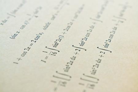 微分の数学の授業と必要な微積分のクローズ アップ 写真素材