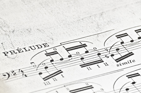 musical score: Initial notes of the suite for solo cello No.1 BWV 1007 by JS Bach