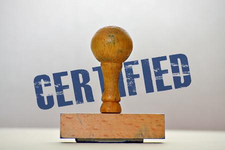 validez: Sello de goma y la palabra Certificado de fondo brillante Foto de archivo