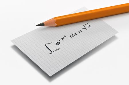 Lápiz y la famosa ecuación matemática de Gauss sobre fondo brillante Foto de archivo